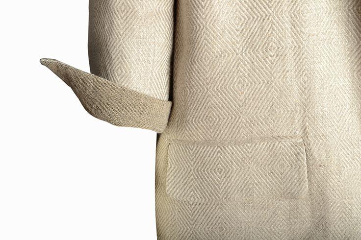 C.46 Pure linen coat: detail.