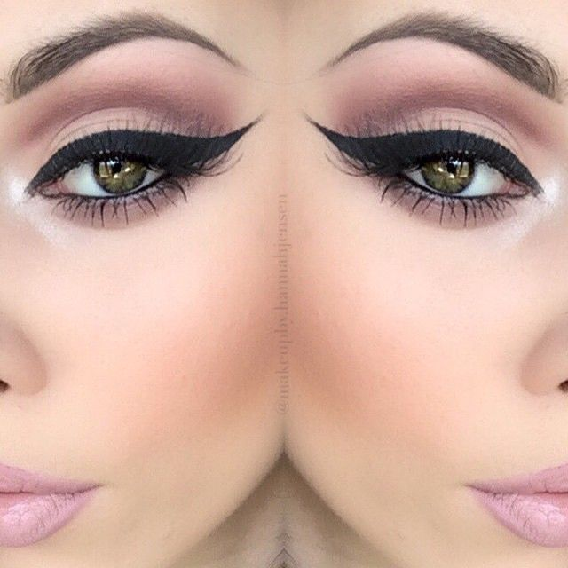 bold thick liner/cat eye and soft cut crease with pale pink lip. soft look.