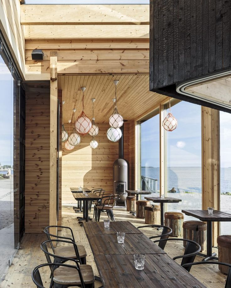 Create atmospheric restaurants and cafés with natural wood. Fast, reliable and functional.
