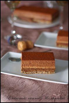 Entremets croustillant à la mousse chocolat au lait - cannelle & mousse chocolat noir