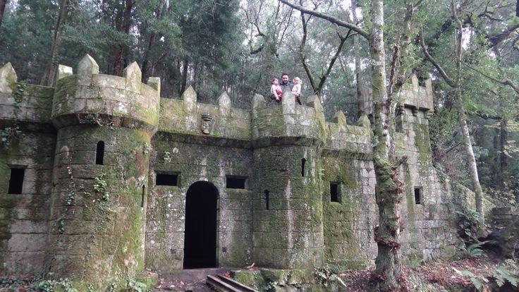 Si existe un lugar como el que se describe en los cuentos, ese es, el bosque encantado de Aldán. Es una estupenda opción a la hora de hacer una excursión con pequeños, es como transportarnos a un cuento. En el podemos dejar volar nuestra imaginación y dar un agradable paseo observados por las hadas del …