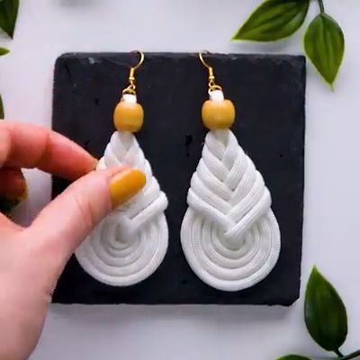 Awsome Uncommon Ways to Make Jewelry