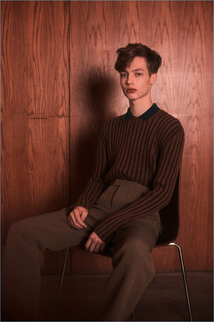 Orley makes an understated but covetable proposal with its vertical striped knitwear.