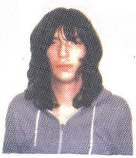 bite the dust--joey ramone without sunglasses