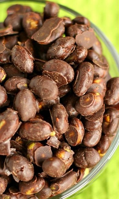 Chocolate Covered Dry Roasted Edamame {Trader Joe's Copycat} ~ This delicious treat is perfect for a snack or dessert!