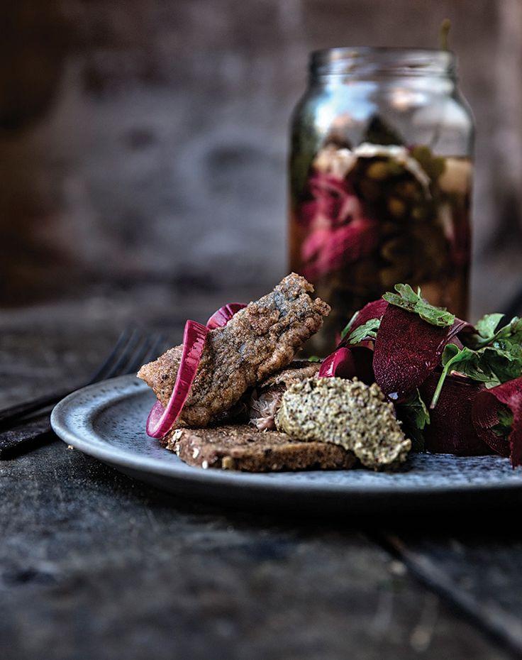 Stegt makrel i eddike med tangsennep & rødbedesalat     Nordisk Tang
