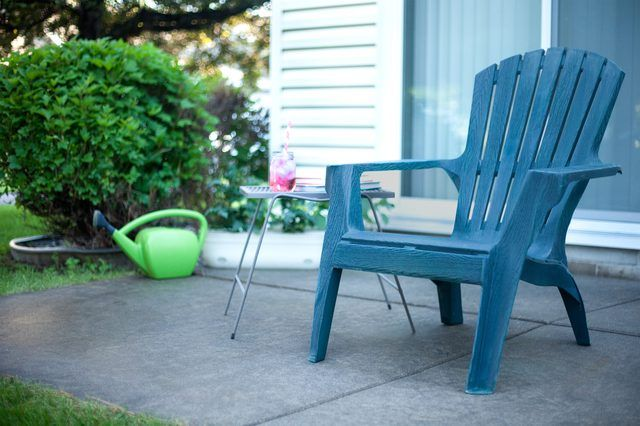 Best 25 Painting Plastic Chairs Ideas On Pinterest Painting Plastic Furniture How To Paint