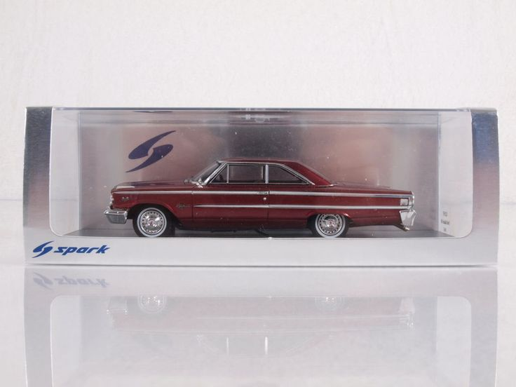 Spark Models S2957 1/43 Scale 1963 Ford Galaxie 500 Die-cast Vehicle