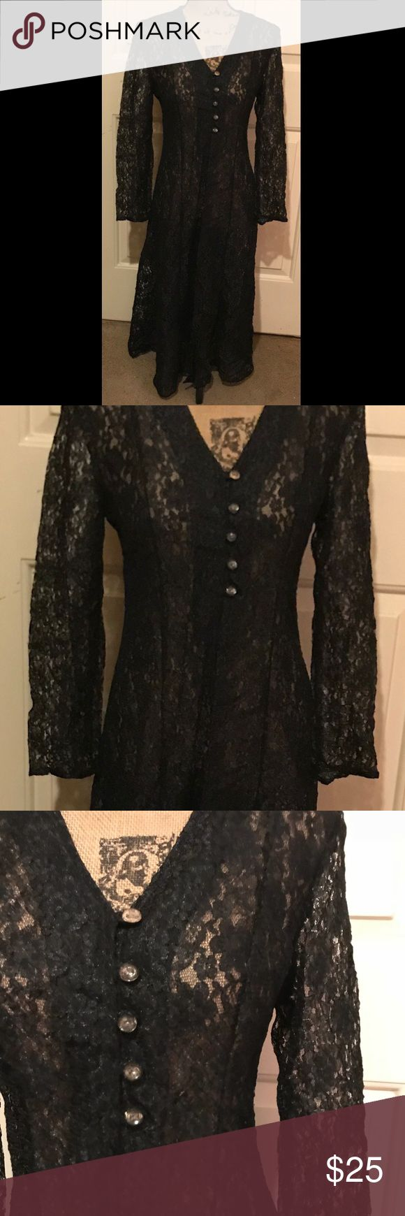 🆕 gorgeous duster dress Very pretty and so versatile! So many ways to style it • even more beautiful in person! 🛍Bundles of 5 or more items get 50% off!-either make offer on the bundle or comment on each item you want and I'll make a separate listing!🛍 📣Buyer responsible for extra shipping when likely to be over 5 lbs 📣 ❌Absolutely no trades!❌ 🔵Color may vary in person!🔴 ◾️Serious buyers only!▪️ 😻 cat friendly home! 😻 🙏🏼thank you!🙏🏼 Dresses
