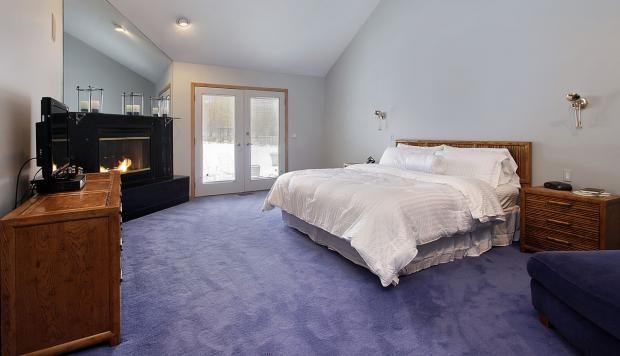 Ideas Para Decorar Con Alfombras En Tu Dormitorio Como Decorar Un Dormitorio Dormitorios Hermosas Habitaciones