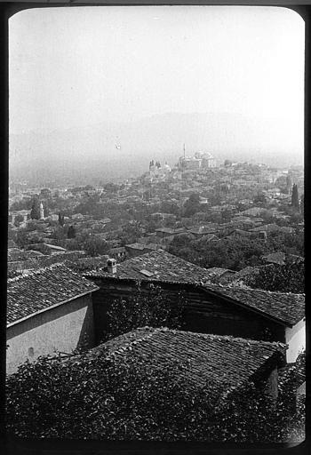 Bursa ; Brousse Toits de la ville, mosquée en arrière-plan PhotographeRoy, Lucien (architecte) Date prise vue 1908