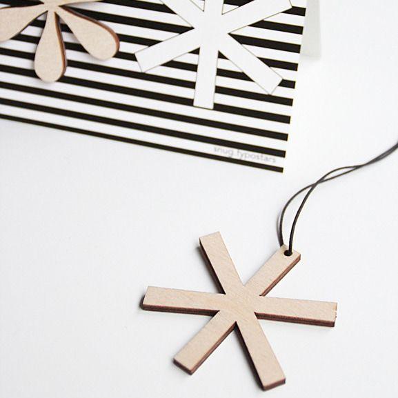 SNUG.TYPOSTARS set of 3 pendants + greeting card