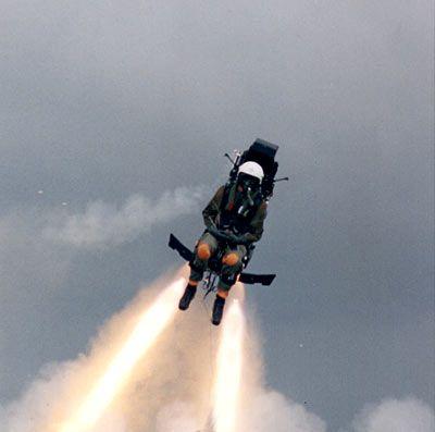 Pilot ejection - http://actualites.sympatico.ca/decouverte/editorial-decouverte/decryptage-dune-ejection-reussie