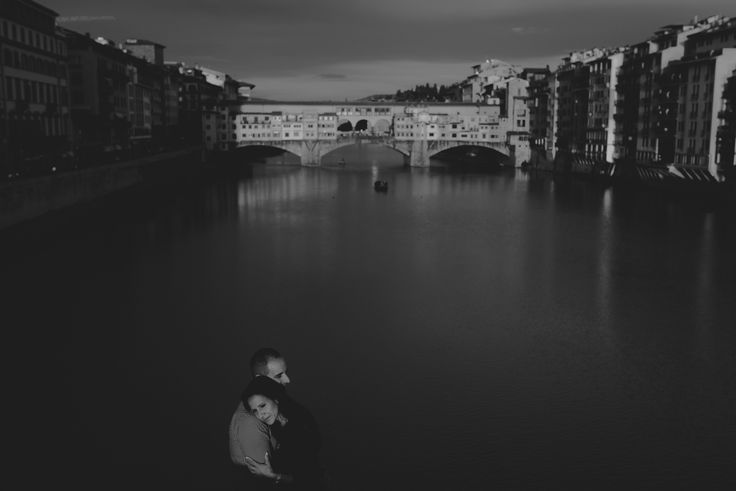 Love in Ponte Vecchio - null
