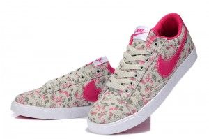 Authentiek Nike Blazer Low Dames canvas bloemen rood