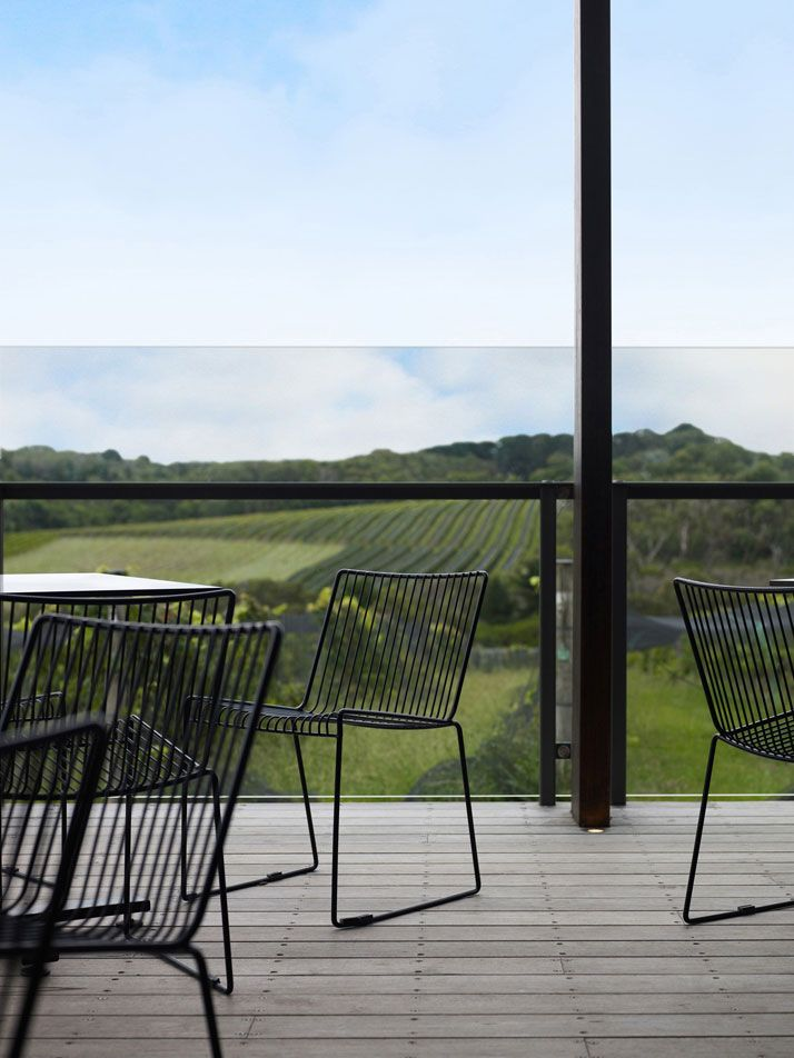 http://www.yatzer.com/assets/Article/3143/images/Willow-Creek-Vineyard-Cellar-Door-and-Bistro-Mornington-Peninsula-Victoria-Australia-Carr-design-yatzer-6.jpg