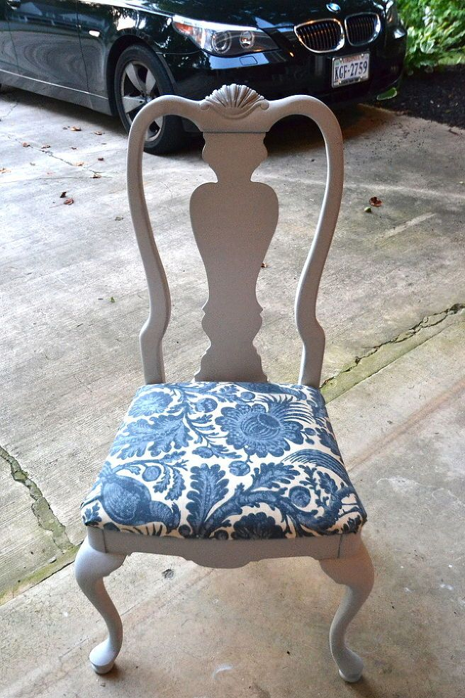 Painting Old Chairs with Annie Sloan Chalk Paint {Newbie} :)