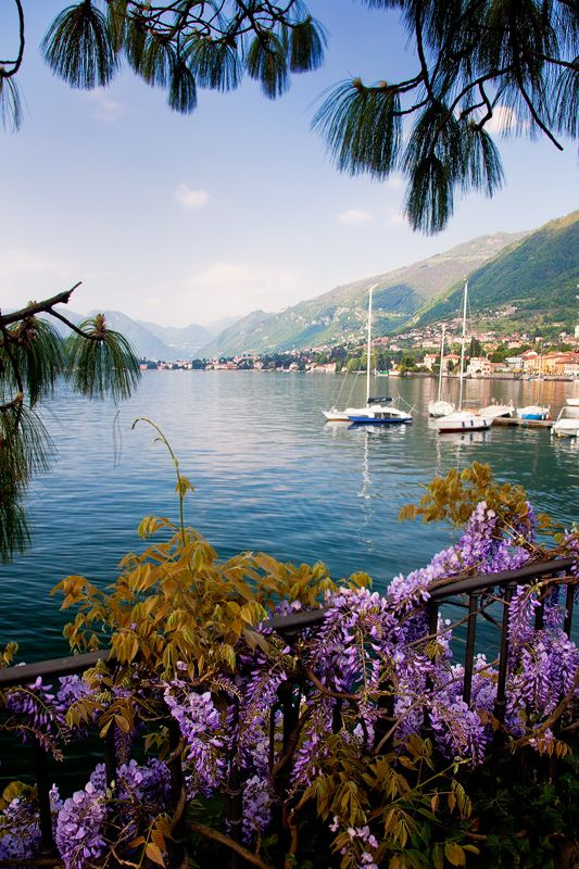 floralls:  Italy - Lake Como: Peace (by John & Tina Reid) Sure would love to go to Italy someday.