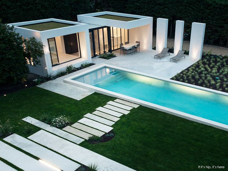 Modern pool house and long linear pool in the basque - Modern house with pool ...