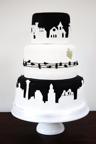 Черно-белый торт с городом