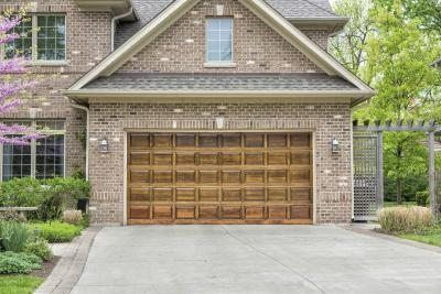 What Are the Standard Garage Door Sizes? | eHow