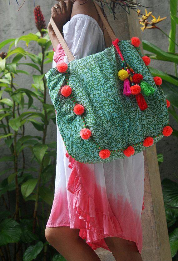 Pompom tote tas/Boheemse tote tas/zomer pompons tas/kwasten