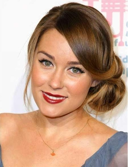 Bun Hairstyles for Long Hair. Beautiful hair-do's with tutorials.BUT I love her make up