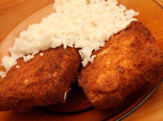 Tökéletes rántott trappista sajt recept: Ismét egy alaprecept kezdőknek. :) Hogyan készíthetsz tökéletes rántott sajtot? Itt a recept! http://aprosef.hu/tokeletes_rantott_trappista_sajt_recept