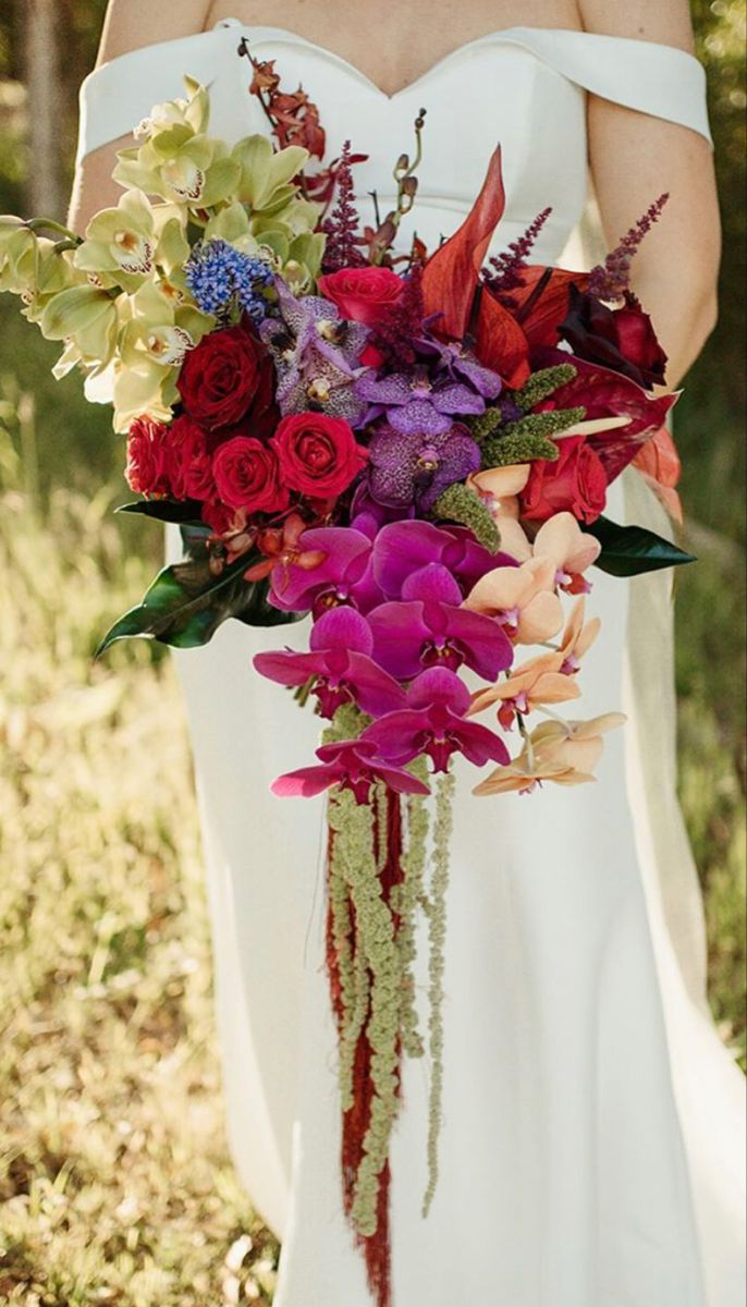Wedding Bouquets In 2020 Wholesale Flowers Wedding Bridal Bouquet Wedding Flowers