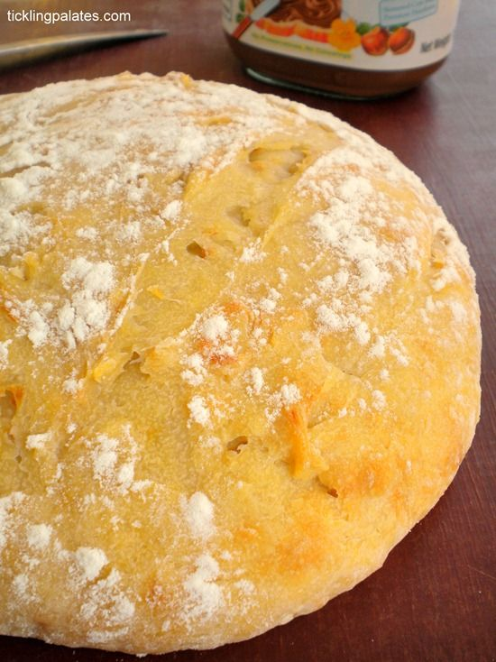 5 Minute No Knead Artisan Bread from www.ticklingpalates.com #egglessbaking #bread #yeast