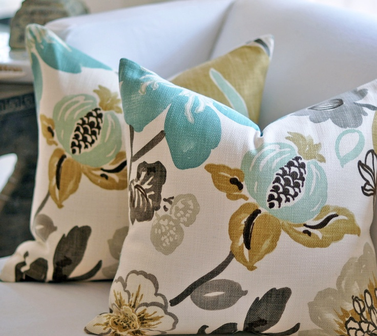 52 best fabrics and pillows images on pinterest schumacher dolce vita and hollyhock for Coordinating fabrics for living room