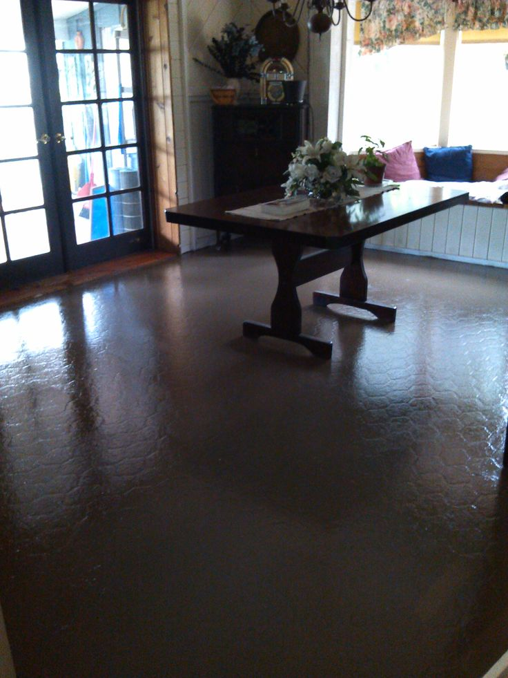 You can paint your ugly vinyl floors a few days ago i for Floor paint for vinyl floors