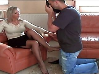 Please worshipping mature women s stockinged feet ОТЛИЧНАЯ! МАЛЕНЬКАЯ