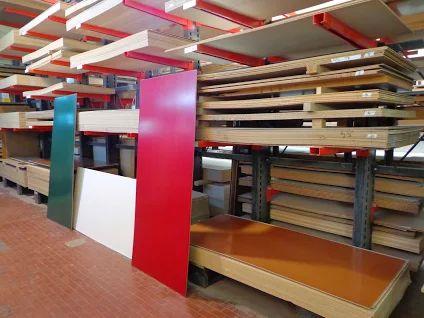 Pannelli per porte blindate in legno verniciato e laccato. Vari colori e pronto magazzino.