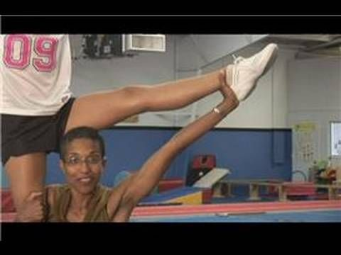 Basic Cheerleading Stunting: L-Stand to Shoulder Sit - YouTube
