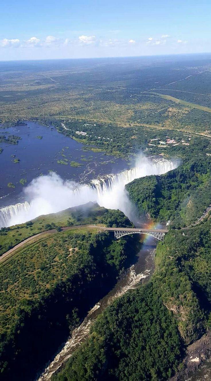 Victoria Wasserfall April 2017 voller Flut