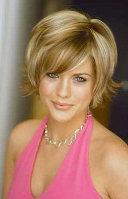 Really Charming and Alluring Flip Out Bob Reduce with Nice Strands of Golden Blonde Hair and Great Beautiful Bangs