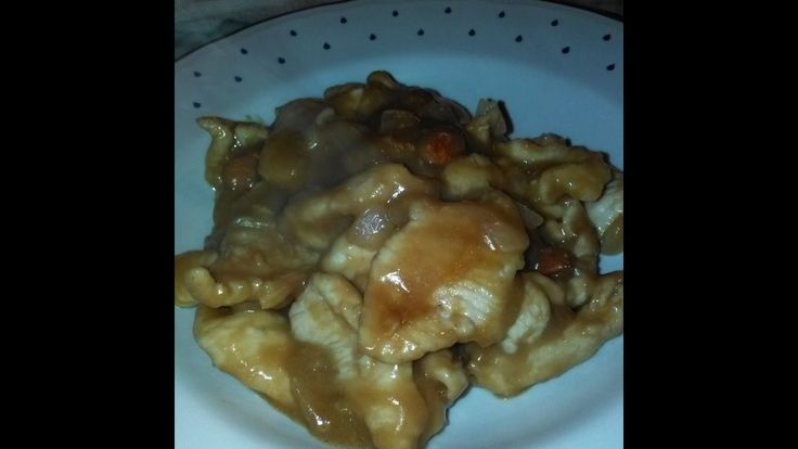 Straccetti di petto di pollo allo zenzero e mandorle tostate home-made