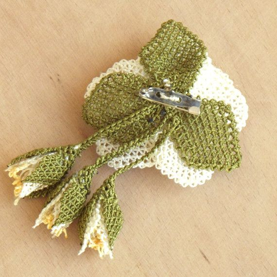 Turkish OYA Lace Brooch Rose White by DaisyCappadocia on Etsy