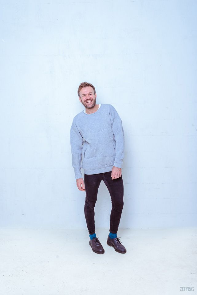 One. World | Grey Set #fashion #zefyras #zefyrasfashion #minimalist #sweater #colours #collection #details #pullover #unisex