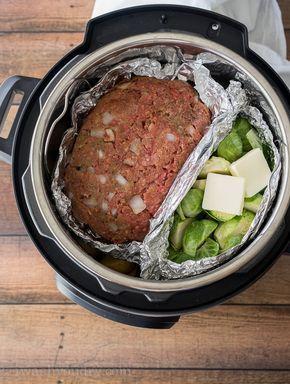 Meatloaf, veggie, mashed potatoes