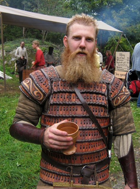lamellar with pretty spiffy shoulder detail: Viking, Lamellar Armour, Photo Sharing, Kostümler Costumes, Cosplay Larp