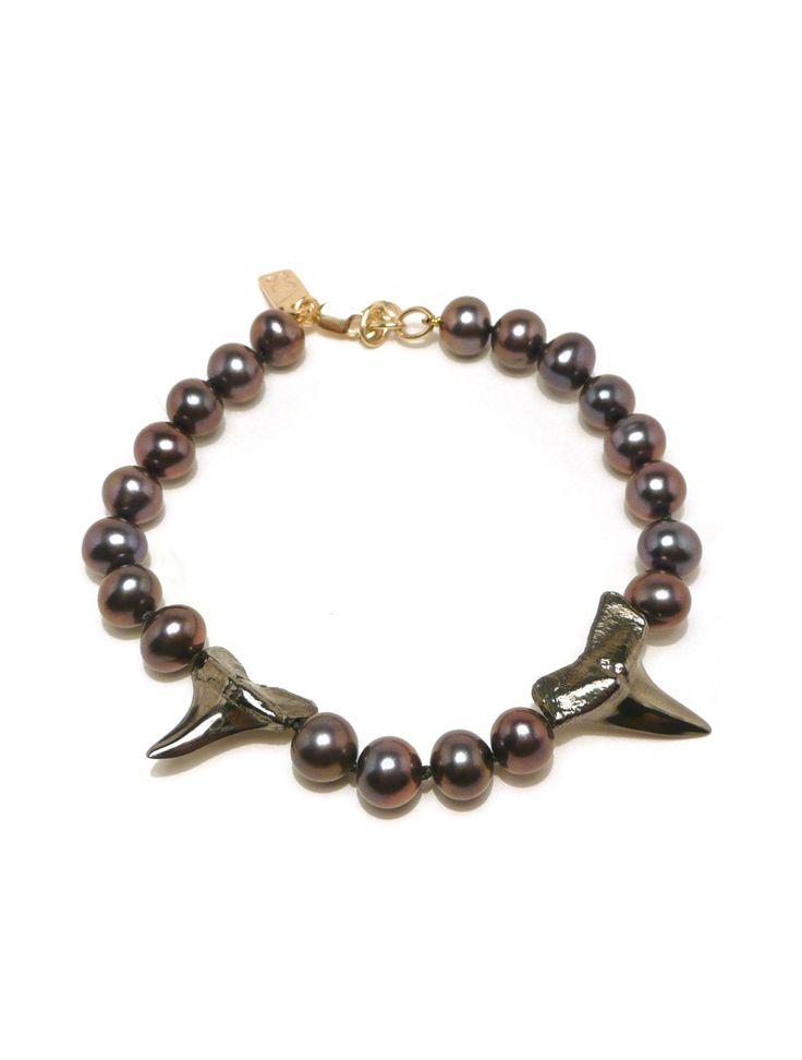 Black Gold Shark Teeth & Peacock Pearl Bracelet - Nektar De Stagni Store