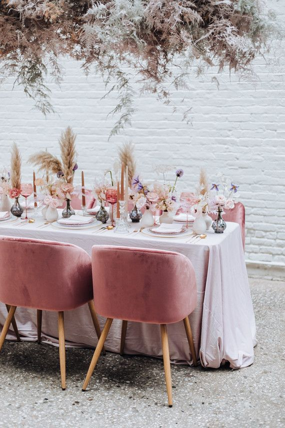 Rosé inspired wedding decor at the Foundry in NYC #garden