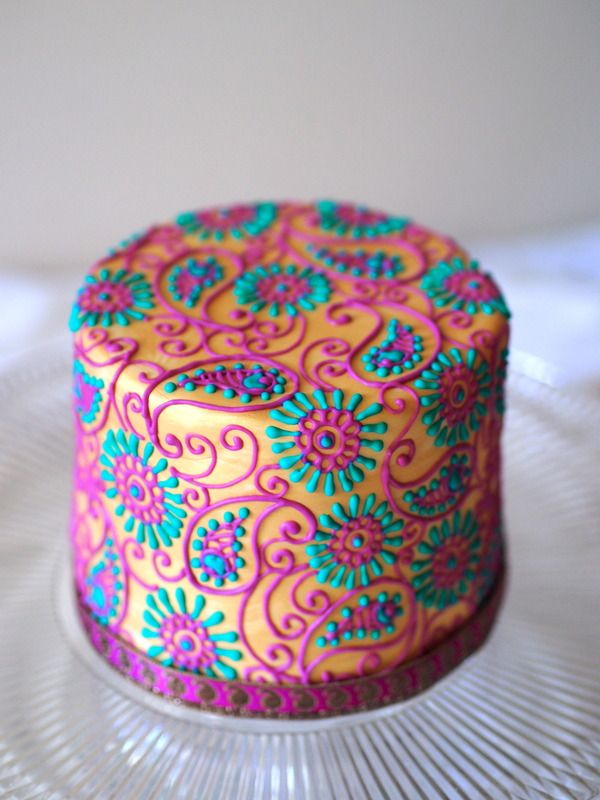 Henna Piping Tutorial and Templates Tutorial on Cake Central. Beautiful #cakes