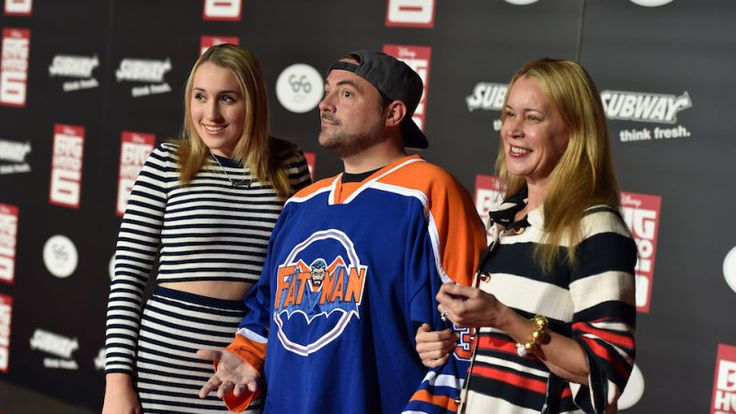 Kevin Smith Gives Daughter 'Sorry Men Suck' Cake After She's Almost Kidnapped