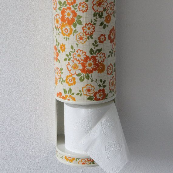 Toilet roll container made of hard plastic; for 4 rolls in retro kitsch style