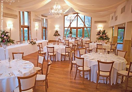 Mythe Barn - Barn Wedding Venue on the border of Leicestershire and Warwickshire (Between Tamworth and Nuneaton)