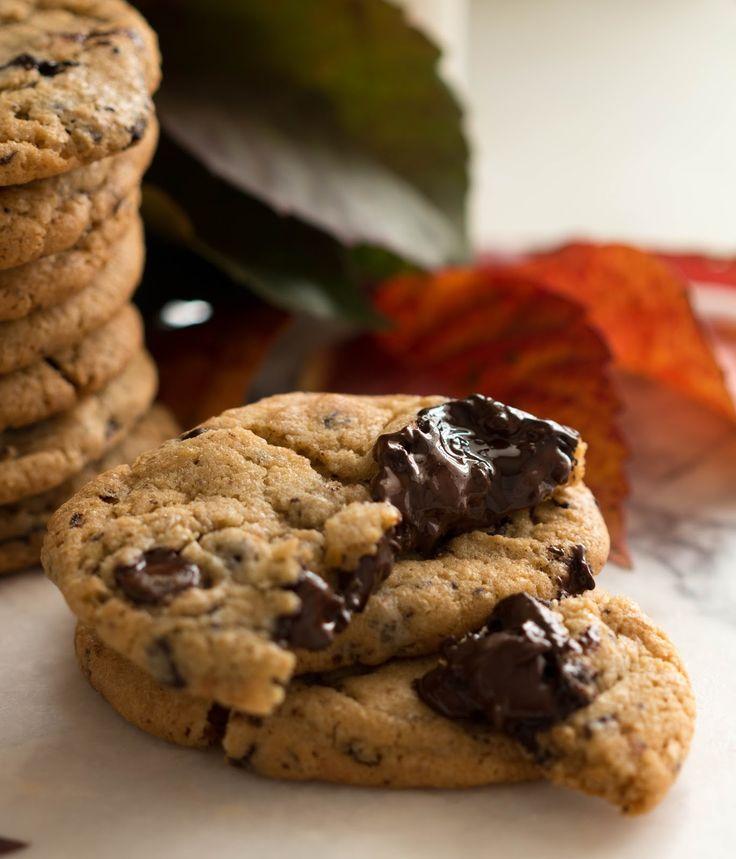 Bu kurabiyelerde en önemli husus kaliteli çikolata kullanmak ve 24 - 72 saat arası olan bekleme süresine sadık kalmak, kurabiyelerin o...
