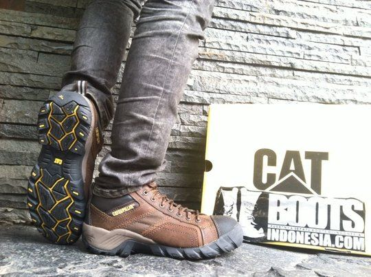 Jual Jual perlengkapan Perawatan Sepatu CATERPILLAR (tali sepatu,sponge,lotion,semir etc )   KASKUS
